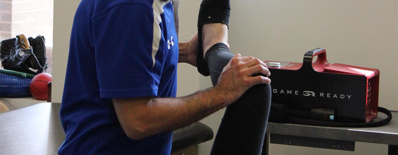 custom knee brace Anatomy Physiotherapy Clinic Ottawa, Ontario